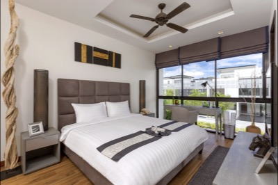 TOWNHOMES - MASTER BEDROOM 1