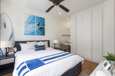 TOWNHOMES - SECOND BEDROOM